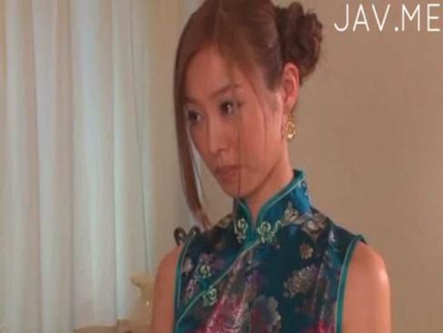 原更紗|チャイナドレスやJKにコスプレして精子を飲みまくる激カワな原更紗