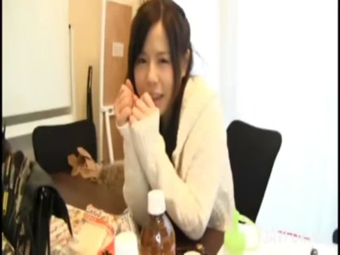 飯田せいこ|こんな女の子がハードなアナルプレーをするなんて…