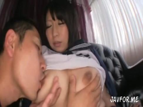 前田優希|爆乳セーラー服痴女JKがパイズリで先生を誘惑