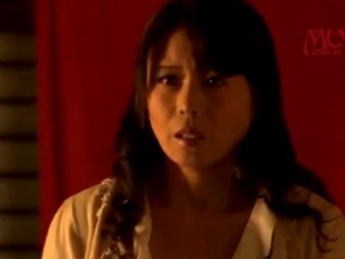 三浦恵理子|憧れの美熟女教師と修学旅行 永遠に忘れられない秘密の思い出