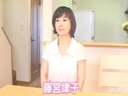 藤宮律子 岡田真理 井川奈緒美|いやらしい熟女達とのハメ撮り動画