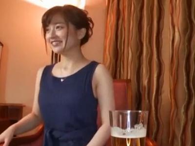 人妻|ホテルでデカチンオジサンとハメ撮りする美熟女の人妻さん
